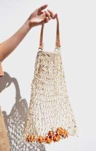 Ma come è possibile che un sacchettino per la spesa diventi fashion?