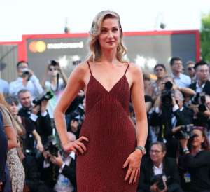 Eva Riccobono: scintillante sul red carpet