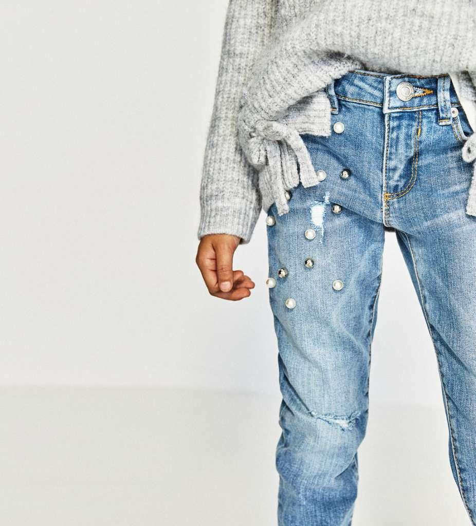 Dalle borse ai jeans, da Chanel a Zara, le perle conquistano le vetrine italiane