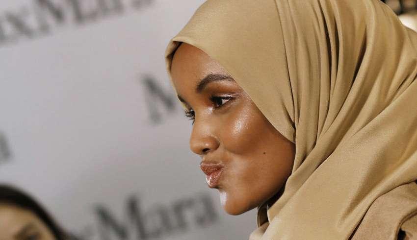 Halima Aden: la prima modella a sfilare col velo alla Milano Fashion Week