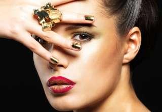 Make up Capodanno 2018: labbra sfavillanti ed occhi immersi nell'oro