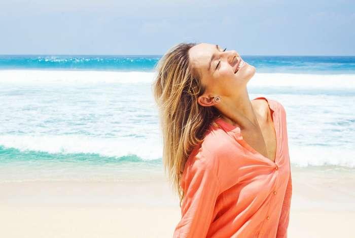 Salsedine e raggi Uv mettono a dura prova i tuoi capelli. Segui i tre consigli di ModApp