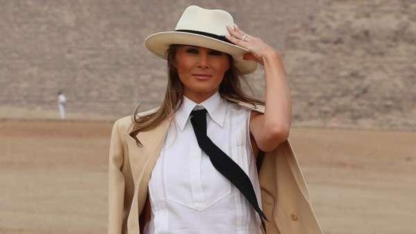Melania Trump con la cravatta